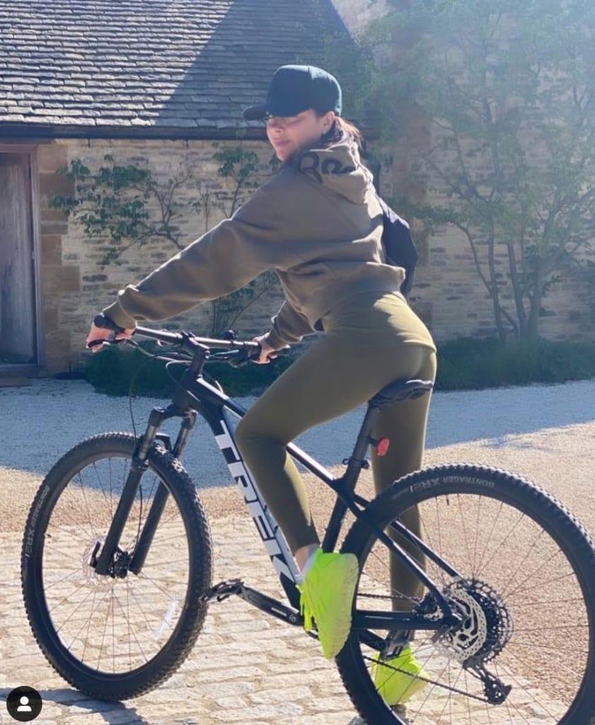 Vicky Beckham y su paseo en bici diario durante el confinamiento
