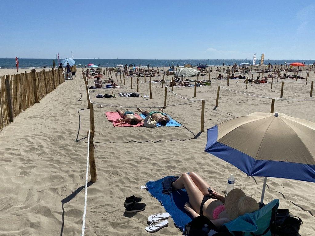 Playa delimitada en Francia