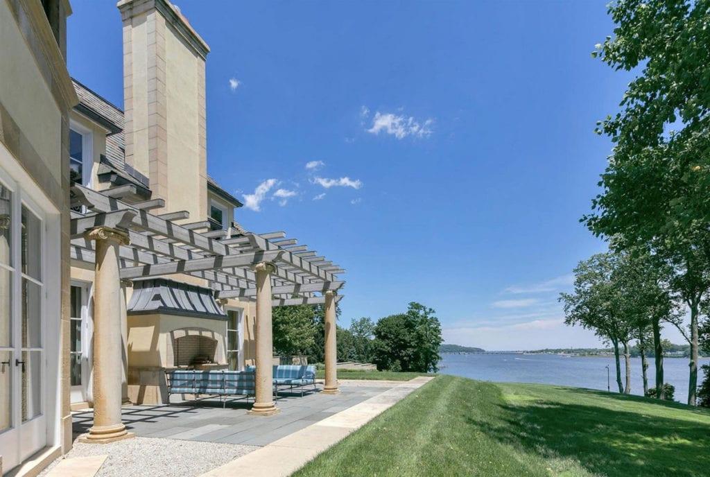 Así son las vistas de la casa que Jon Bon Jovi ha puesto a la venta.