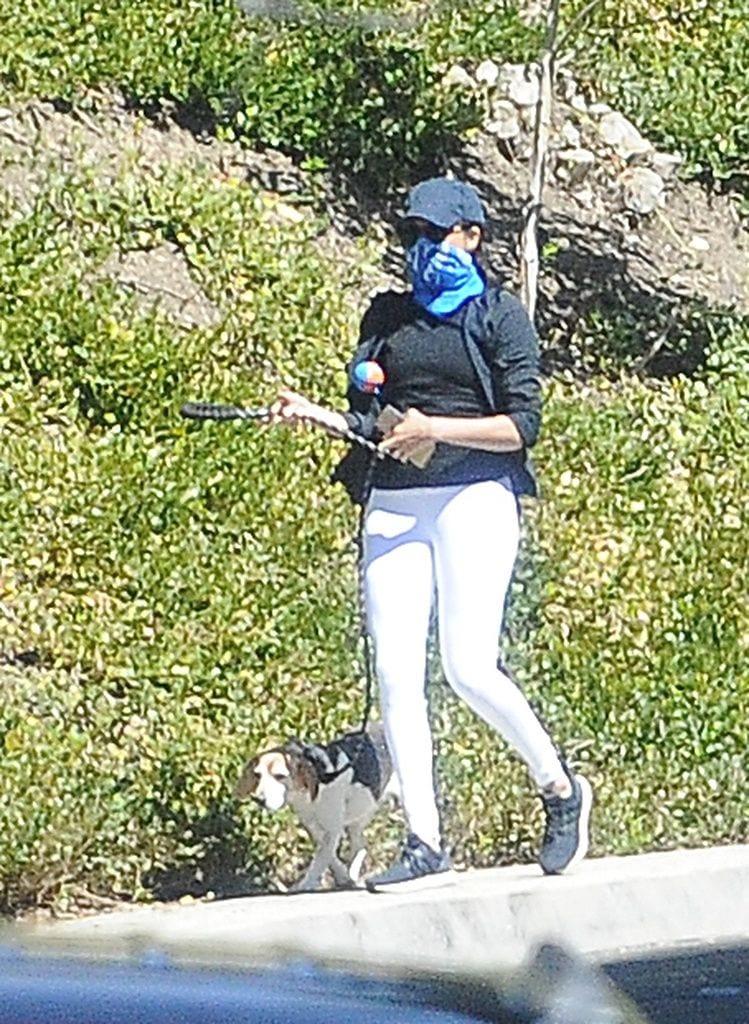 Megan Markle vista dando paseos con su Beagle