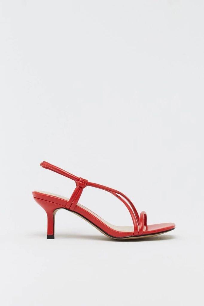 Sandalia de tacón roja de Sfera.
