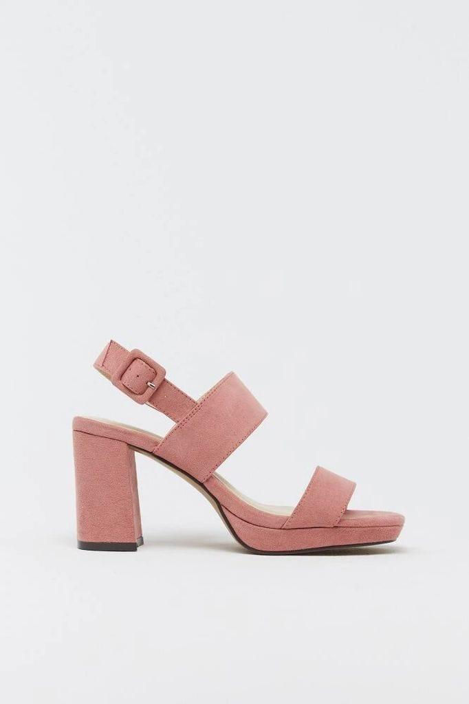 Sandalia rosa de Sfera.