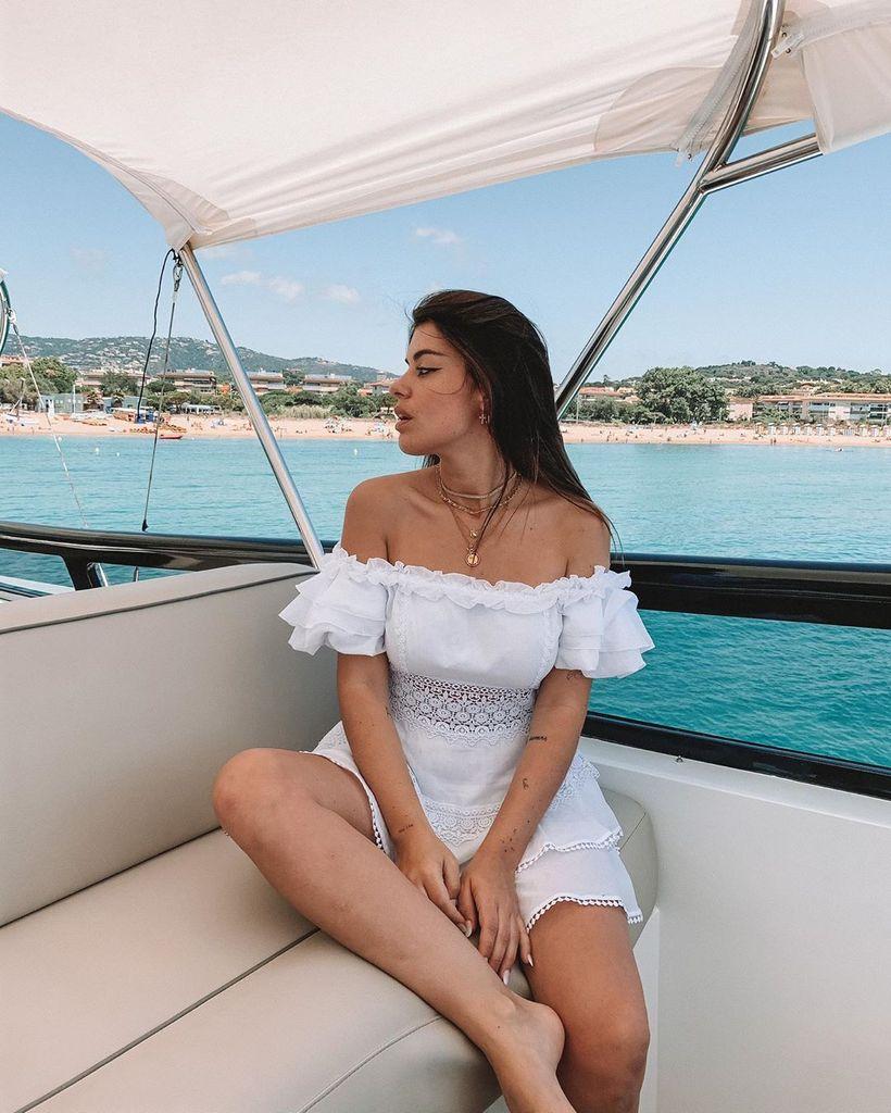 Dulceida pasa el día de fiesta en un barco