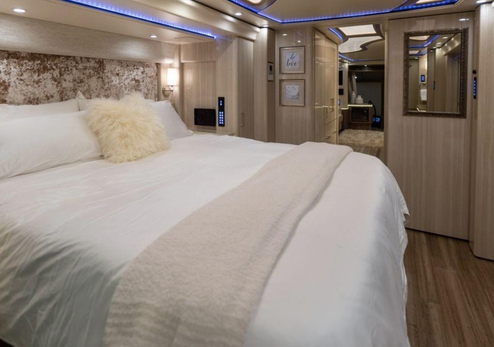 Dormitorio en la caravana de Justin Bieber.