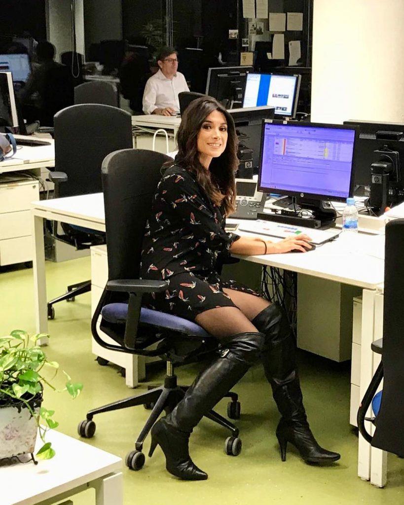 Arancha Morales en la redacción de informativos de Telecinco