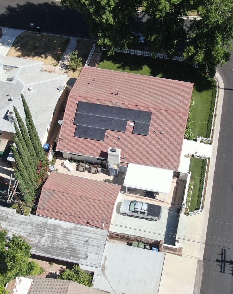 La casa de J.Lo tiene paneles solares instalados