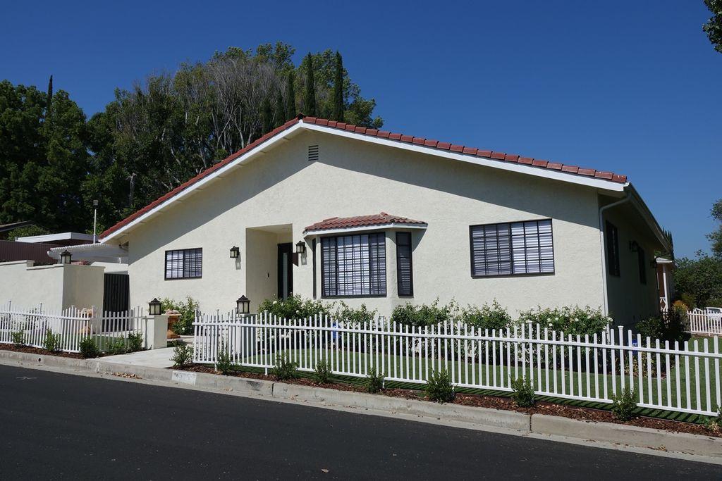 J.Lo y A.Rod se han comprado una casa clavadita a la de Los Simpson