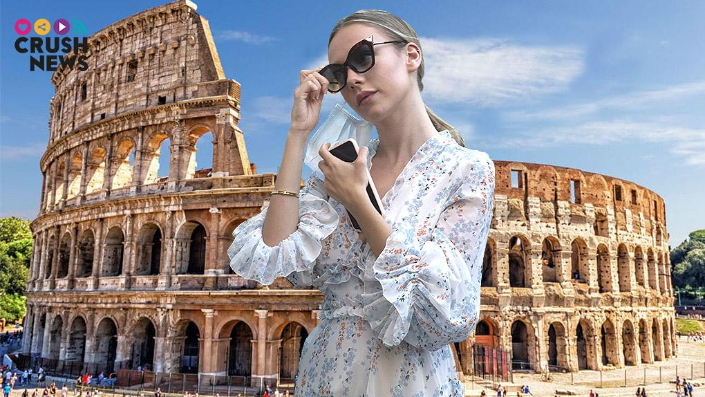 Esther Expósito de visita en Roma