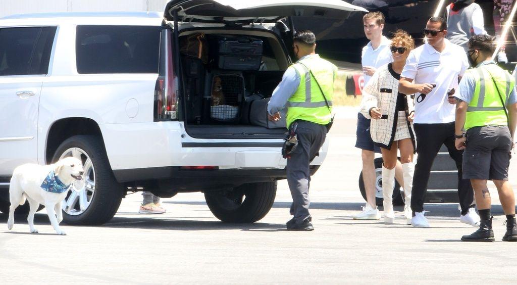 Jennifer Lopez, estilismo loco de vacaciones.