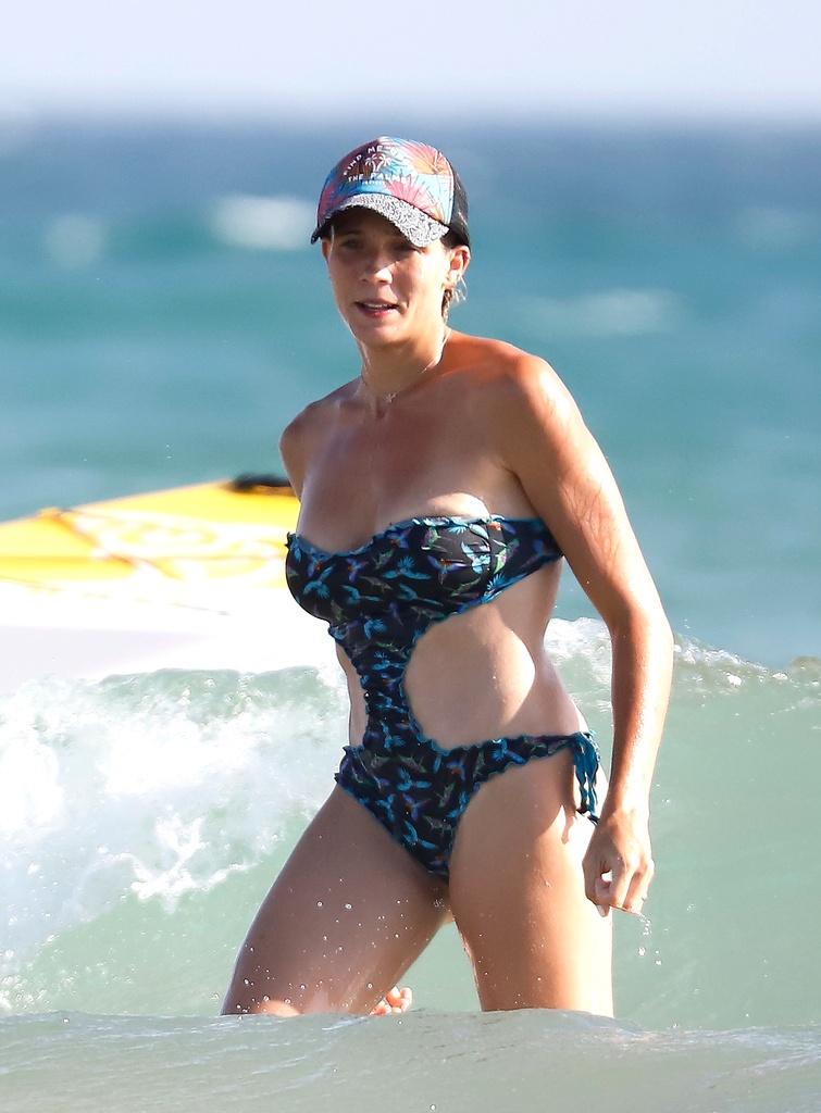 Patricia Montero en la playa