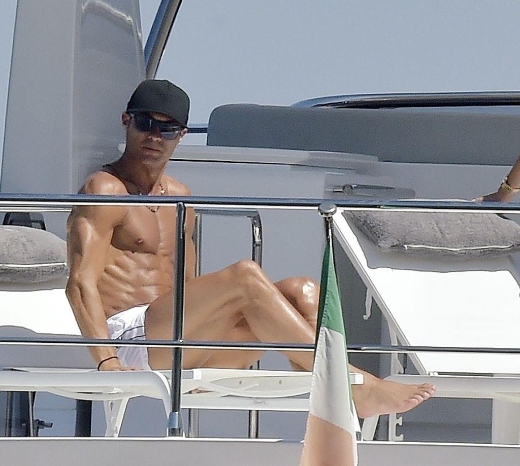 Cristiano Ronaldo y Georgina Rodriguez, vacaciones en un yate.