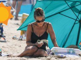 sarah Jessica Parker con su familia en la playa.