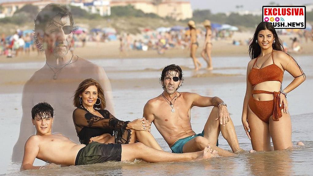 La familia Padilla, La familia Padilla, posado en la playa de Cádizen la playa de Cádiz