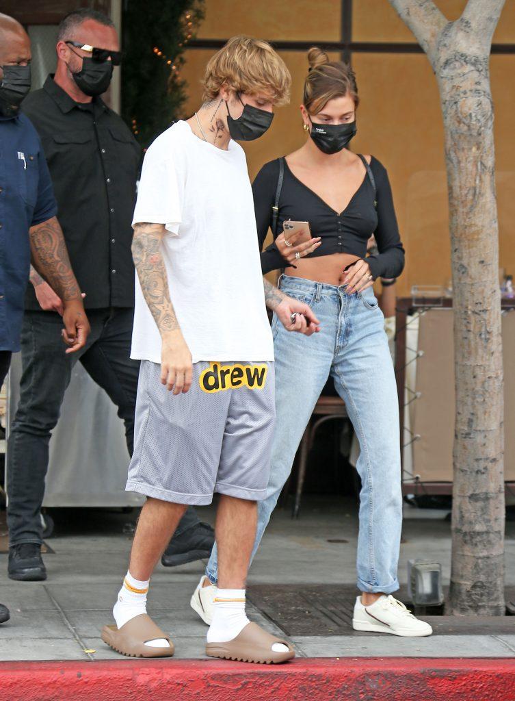 Las troncho chanclas creadas por Kanye West