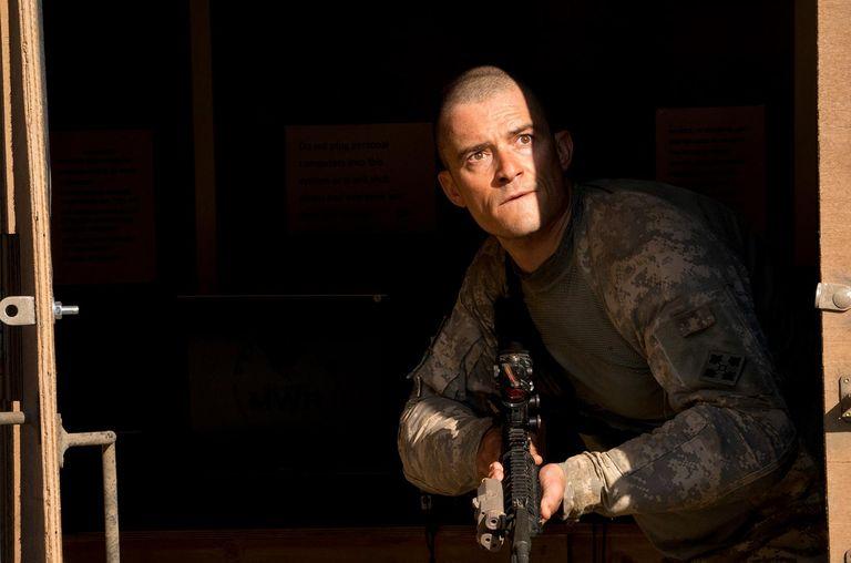 Orlando Bloom en un fotograma de la película bélica 'The outpost'
