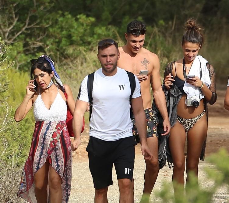 Sofía Suescun y su familia en Ibiza.