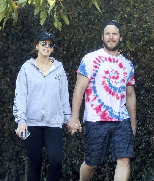 Chris Pratt, de quien se dijo que iba a votar a Trump, pasea con su mujer, Katherine Schwarzenegger