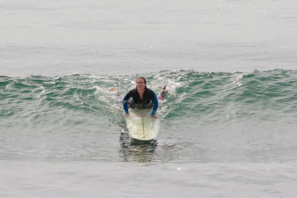 La rutina postparto de Leighton Meester: hacer surf,