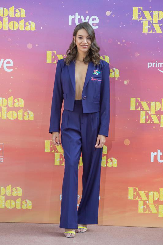 Ana Guerra copia a Ester Expósito con su escotazo.