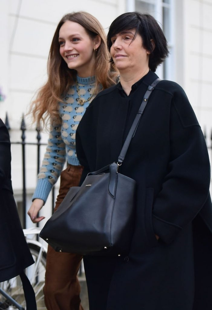 He hecho un descubrimiento sobre Sharleen Spiteri en estas imágenes, donde la vemos con su hija: ¡es clavada a Severus Snape!