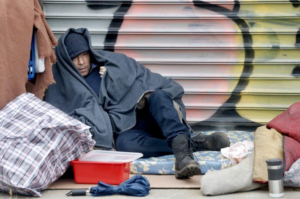 Donnie Wahlberg homeless en las calles de Nueva York