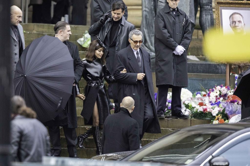 Funeral en las nuevas fotos del Batman de Robert Pattinson