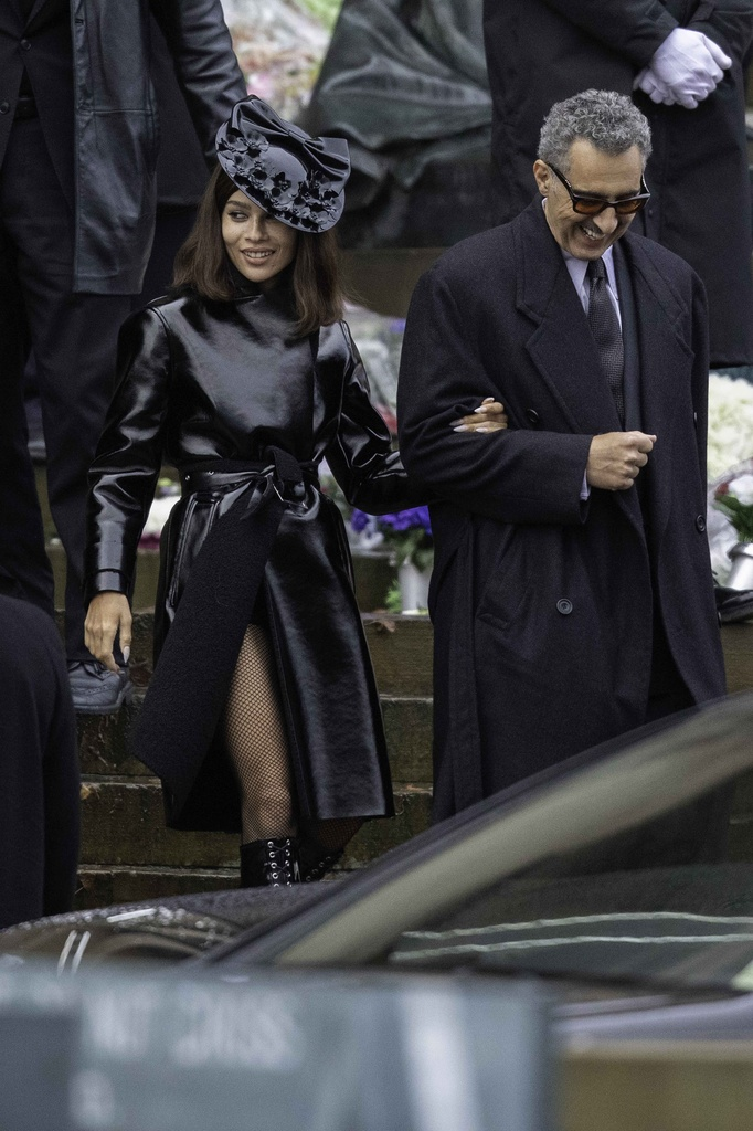 Zoë Kravitz y John Turturro, en las nuevas fotos del Batman de Robert Pattinson