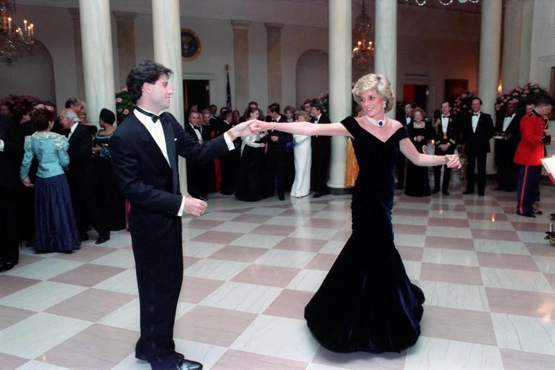 Lady Di en The Crown, ¿se reproducirá su baile con John Travolta?