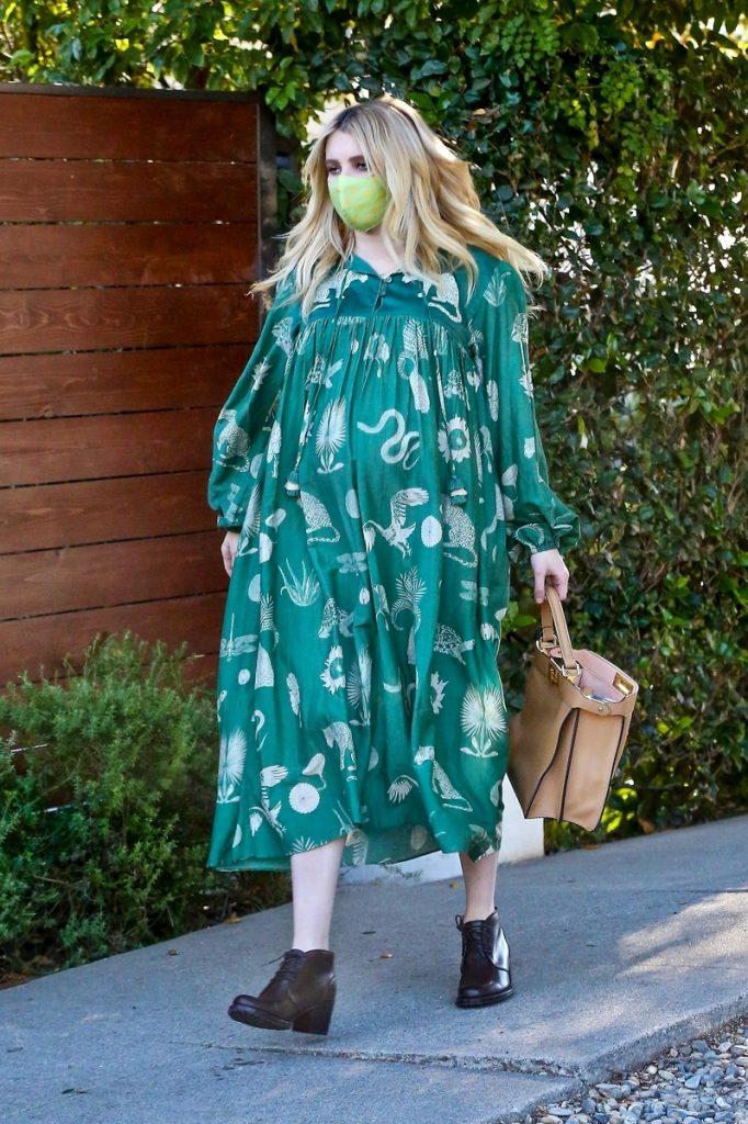 Emma Roberts y su estilo embarazada