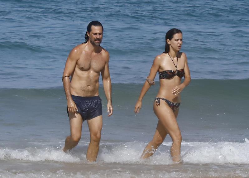 Hugo Silva y su novia Marta Guerras en Cádiz.