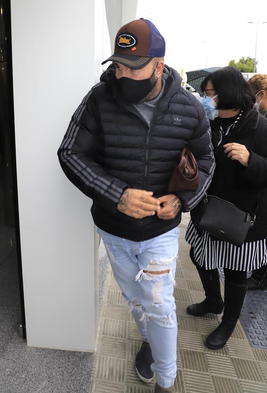 Kiko Rivera en el tanatorio.