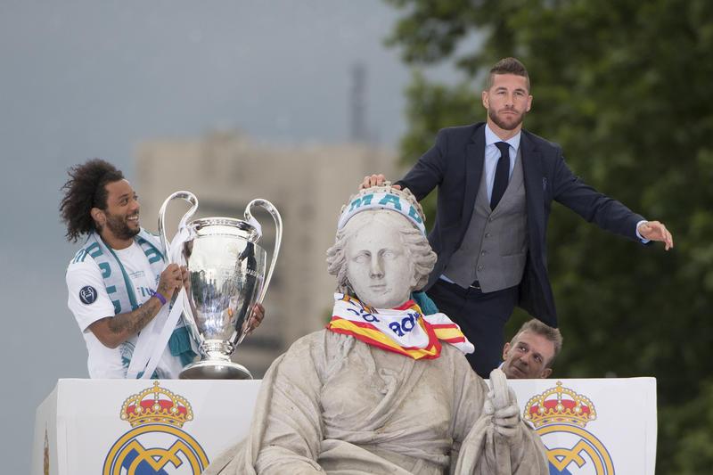Sergio Ramos y Marcelo celebran la Champions League