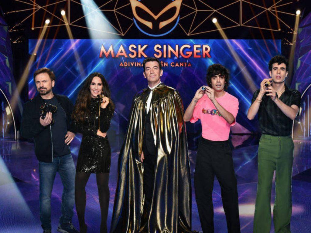 Presentador e investigadores de Mask Singer
