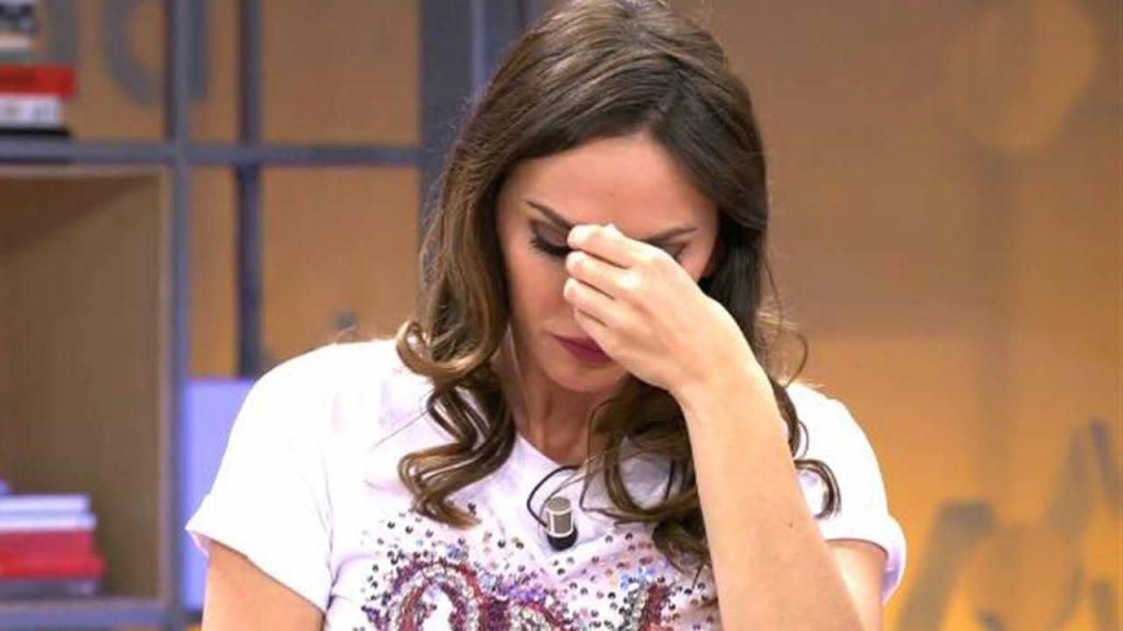 Irene Rosales llora.