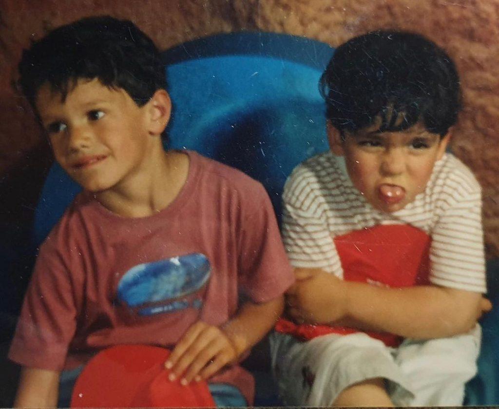 Omar Ayuso y Noah, de pequeños