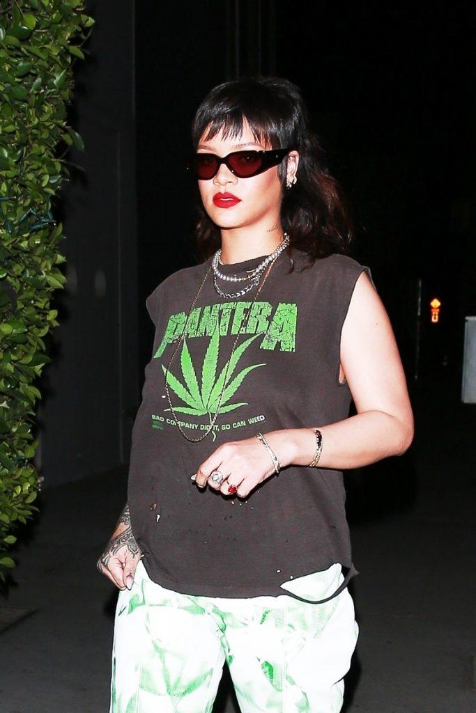 Rihanna con el corte de pelo Tokio.