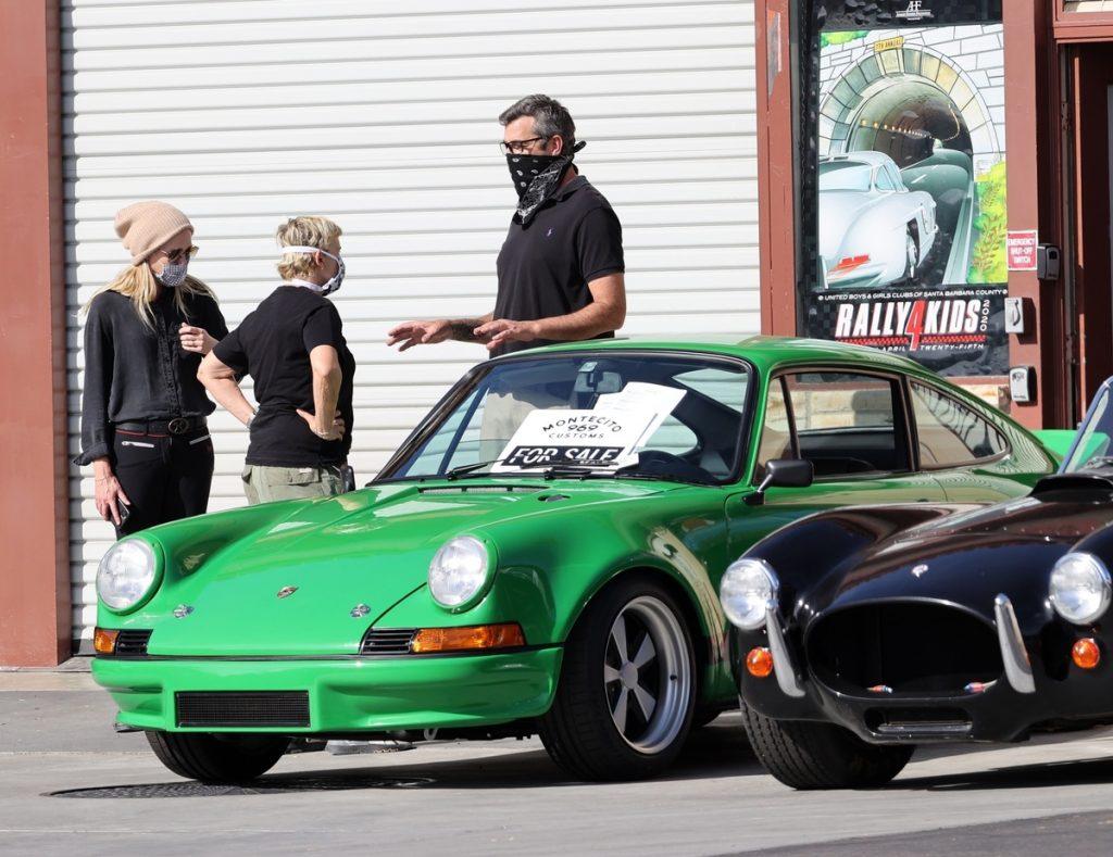 Ellen DeGeneres, Portia de Rossi y un vendedor de coches