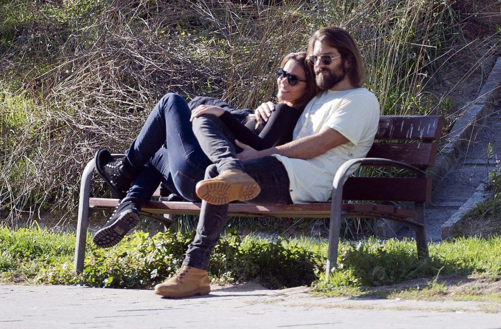 Lara Álvarez y su novio.