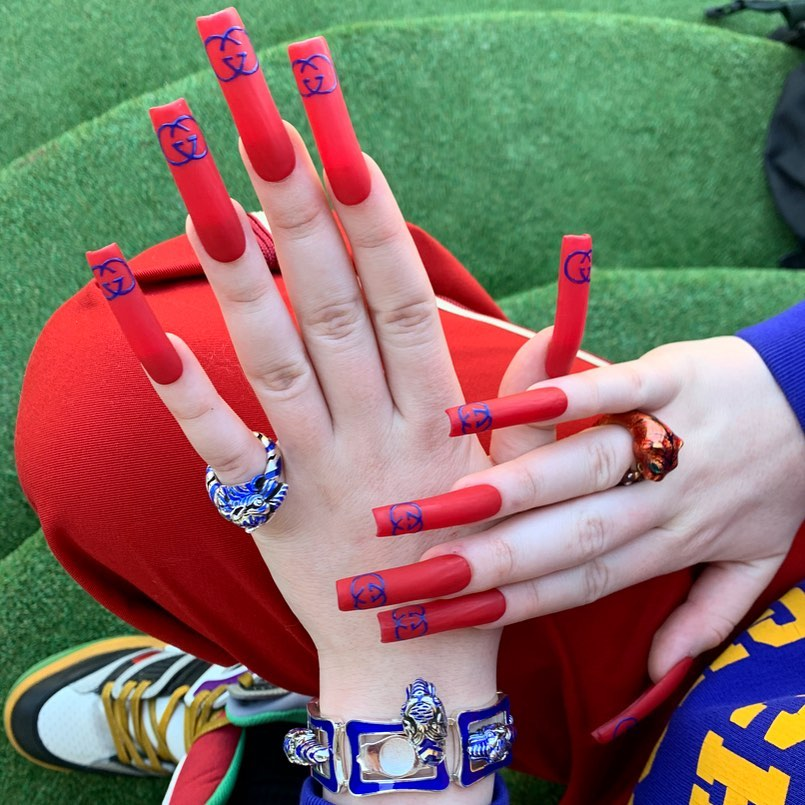 Las uñas virales de Billie Eilish