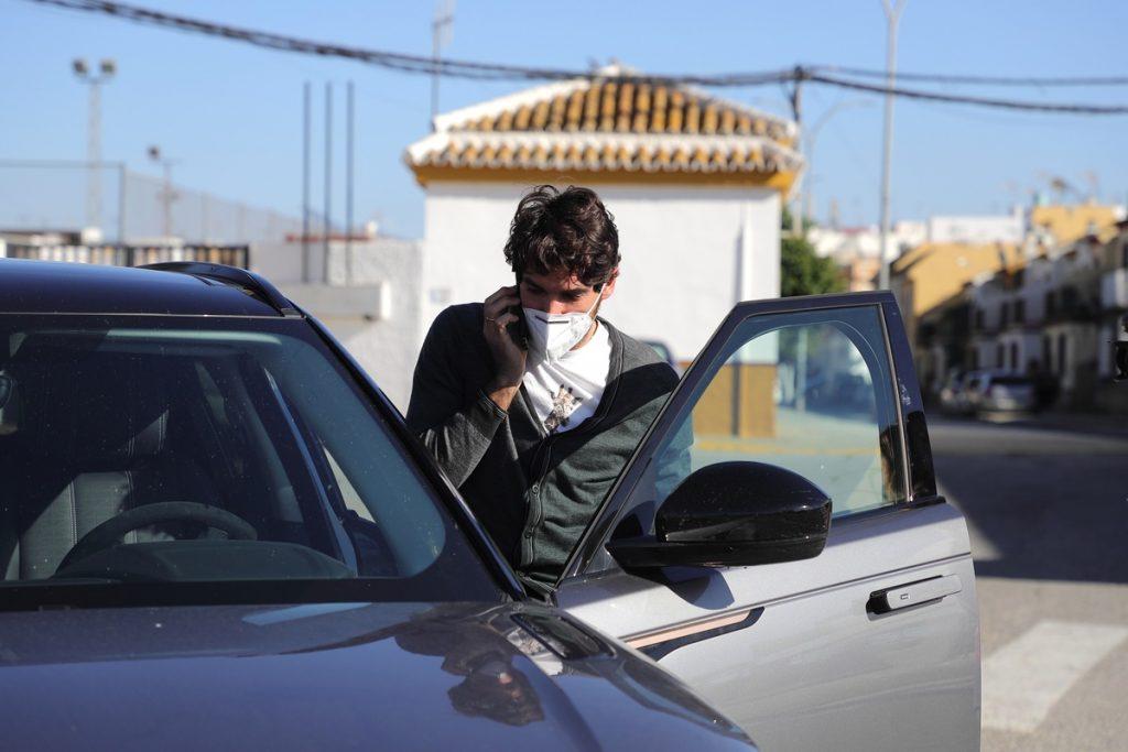 Cayetano Rivera ha ido a la autoescuela de los famosos.