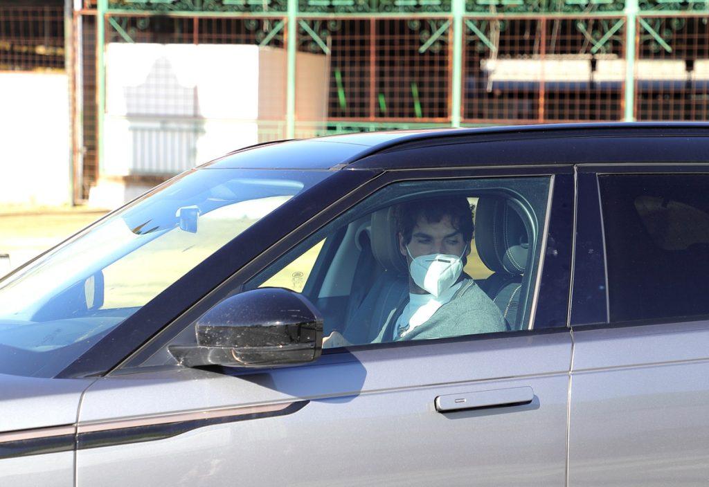 Cayetano Rivera, en su coche.