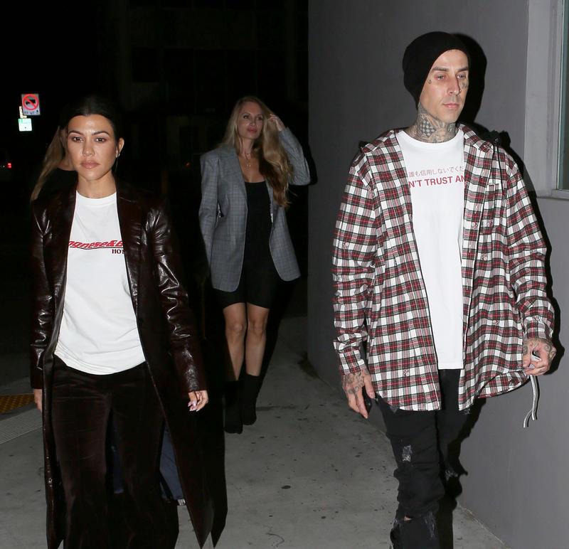 El nuevo novio de Kourtney Kardashian es Travis Baker.