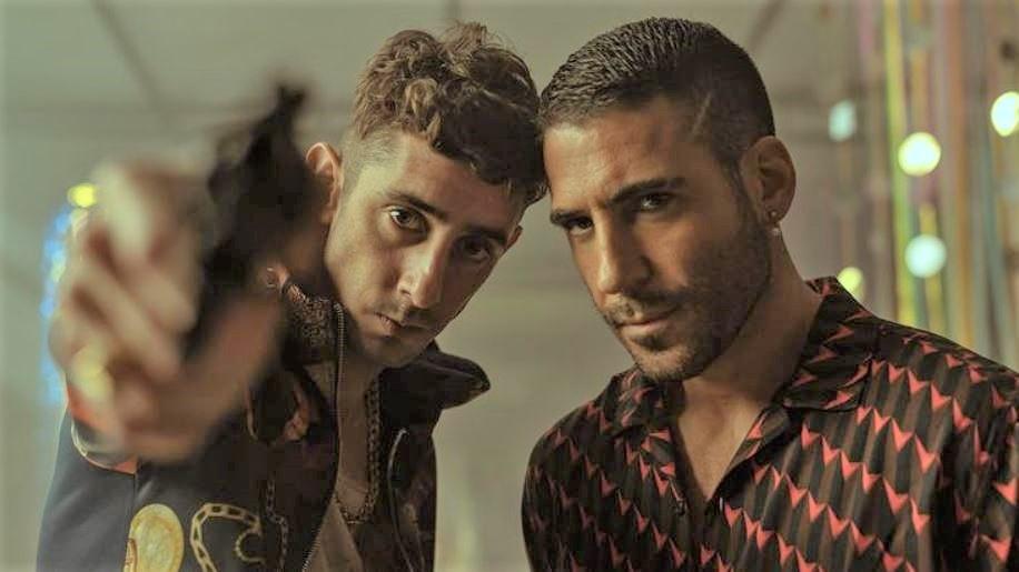 actores de sky rojo Miguel Angel Silvestre y Enrique Aquer.