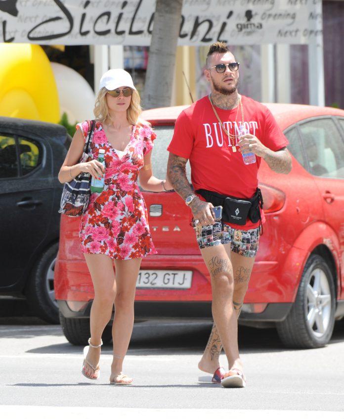 Diletta Leotta y su novio Daniele Scardina, de vacaciones en 2019.