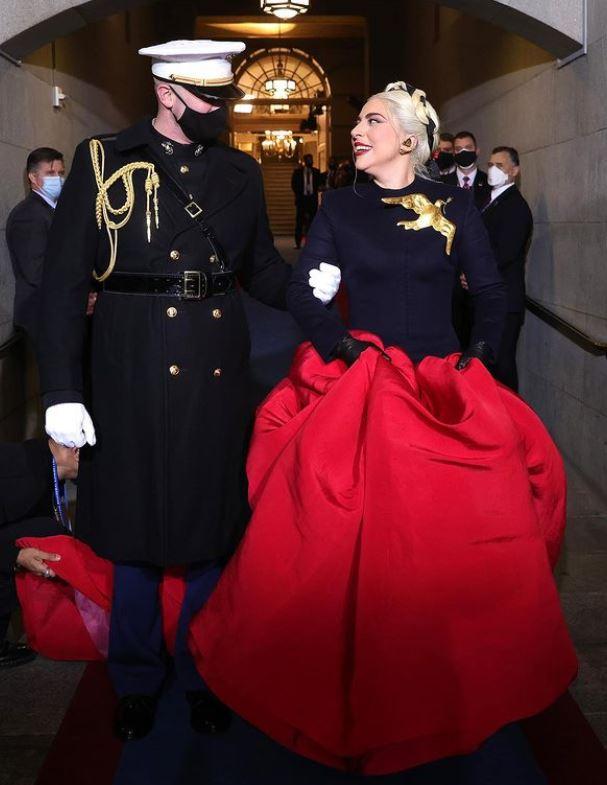 El look de Lady Gaga en la investidura de Joe Biden.