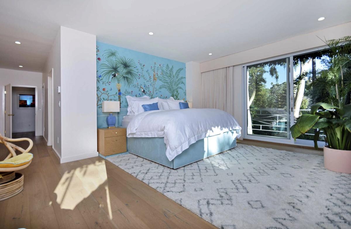 Habitación de la casa que Cara y Poppy Delevingne venden en Hollywood Hills por 3,75 millones de dolares