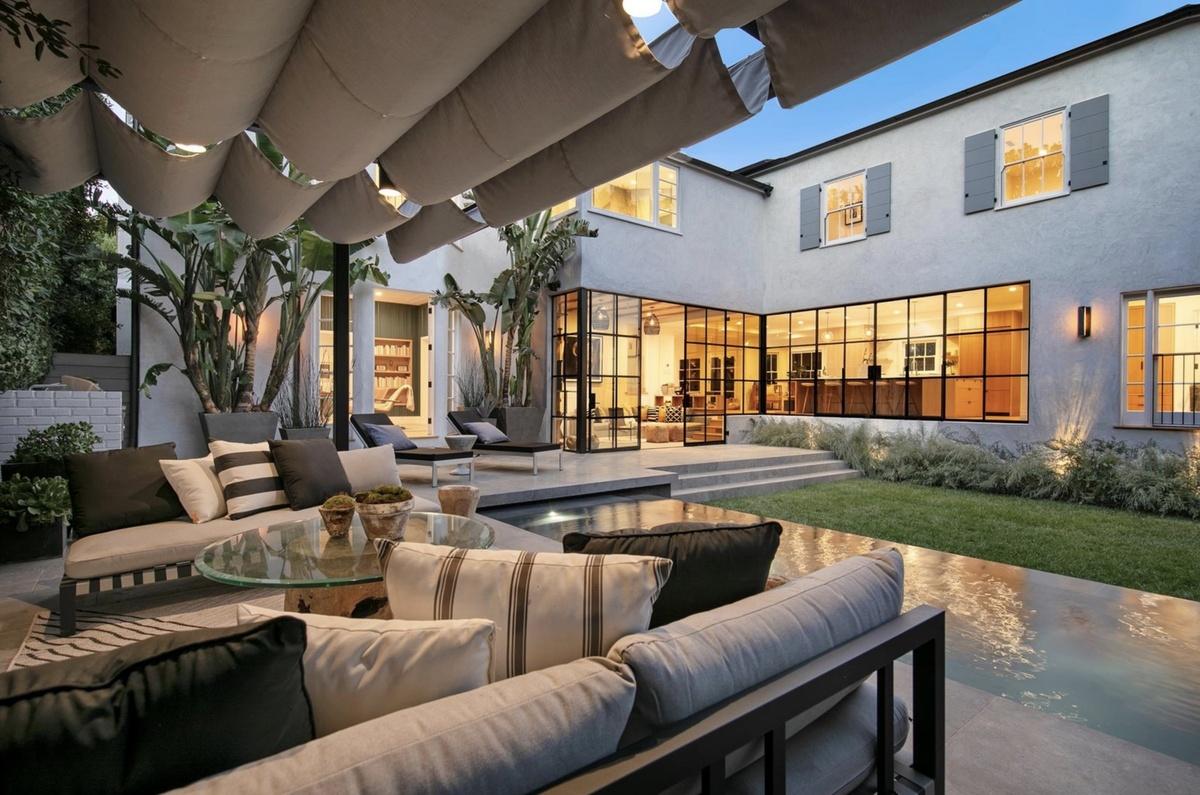 Justín Bieber logró vender casa de lujo de 540 mt2 con pérdida de medio millón $$