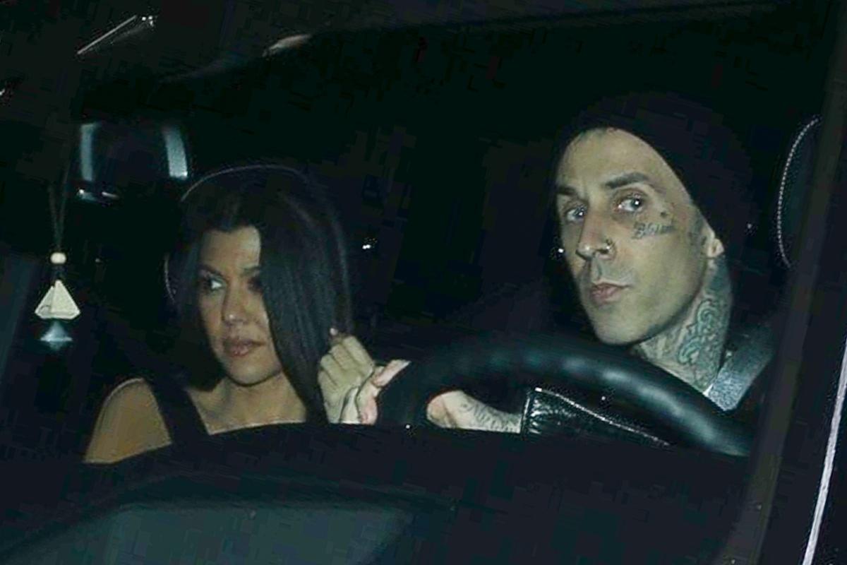 Kourtney Kardashian y Travis Barker juntos.