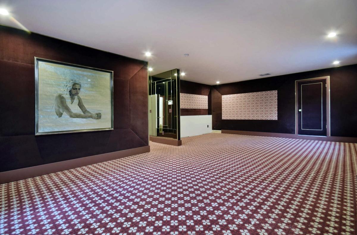 Salón de la casa de Cara y Poppy Delevingne en venta