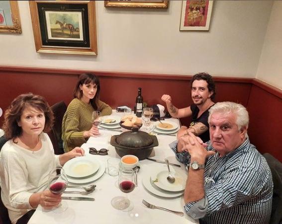 Arancha con Marron y los padres de ella